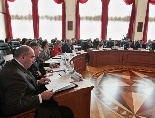 Депутаты Заксобрания ЕАО проголосовали за «профицитный» бюджет 2017 года в первом чтении
