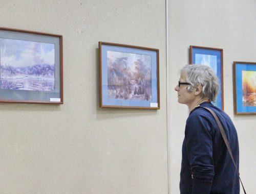 Выставка «Пронизанные светом акварели» открылась в Биробиджане