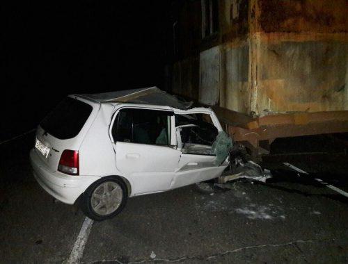 Водитель иномарки въехал в строительный вагончик в пригороде Биробиджана