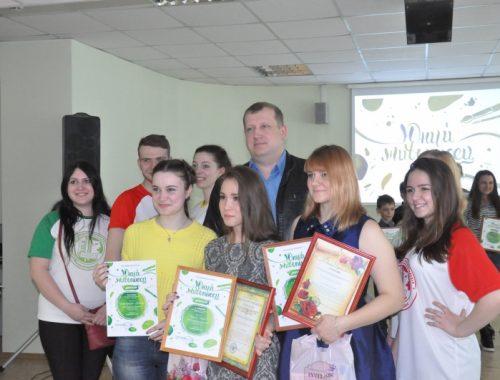 Юных живописцев торжественно наградили в Биробиджане