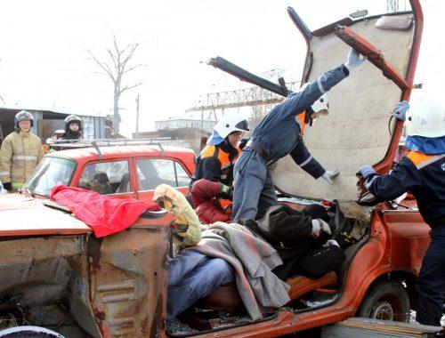 Спасатели ЕАО соревновались в ликвидации последствий ДТП