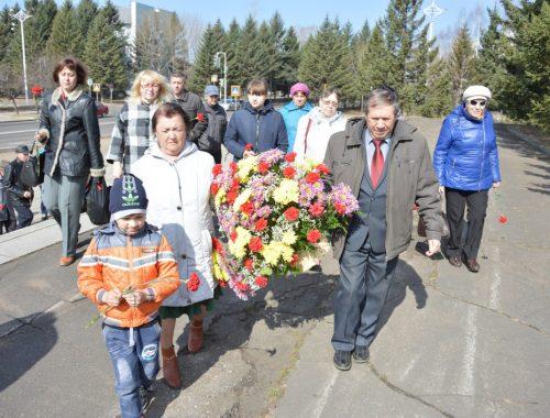 Коммунисты Биробиджана и их сторонники почтили память Владимира Ильича Ленина