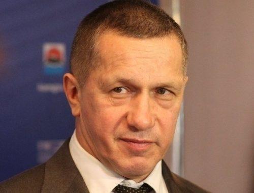 Почти по миллиону рублей в день зарабатывал в 2016 году полпред президента в ДФО Юрий Трутнев