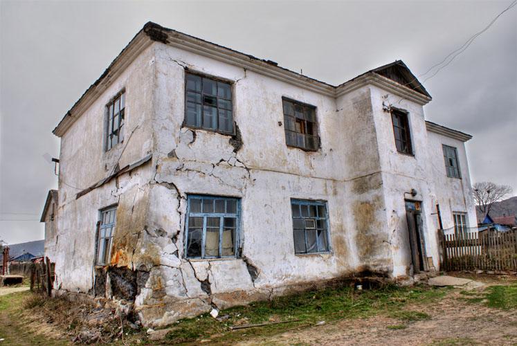 ЕАО может не выполнить планы по расселению аварийного жилья – глава Минстроя
