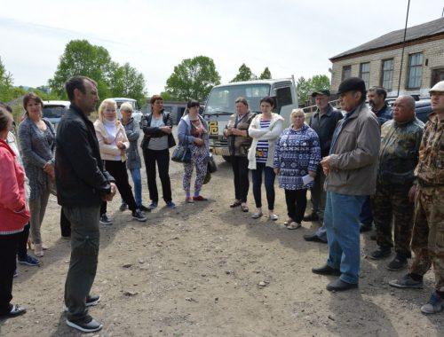«Ваше пастбище возле кладбища»: Власти Облученского района оставили крестьян Известковского поселения без земли