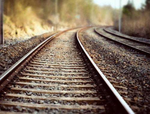 Биробиджанец для продажи разобрал железнодорожные пути
