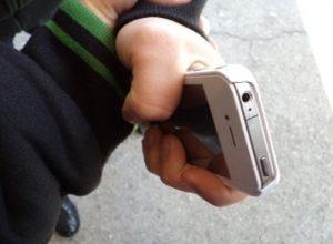 Два телефона и детский рюкзак стали добычей воров в Биробиджане