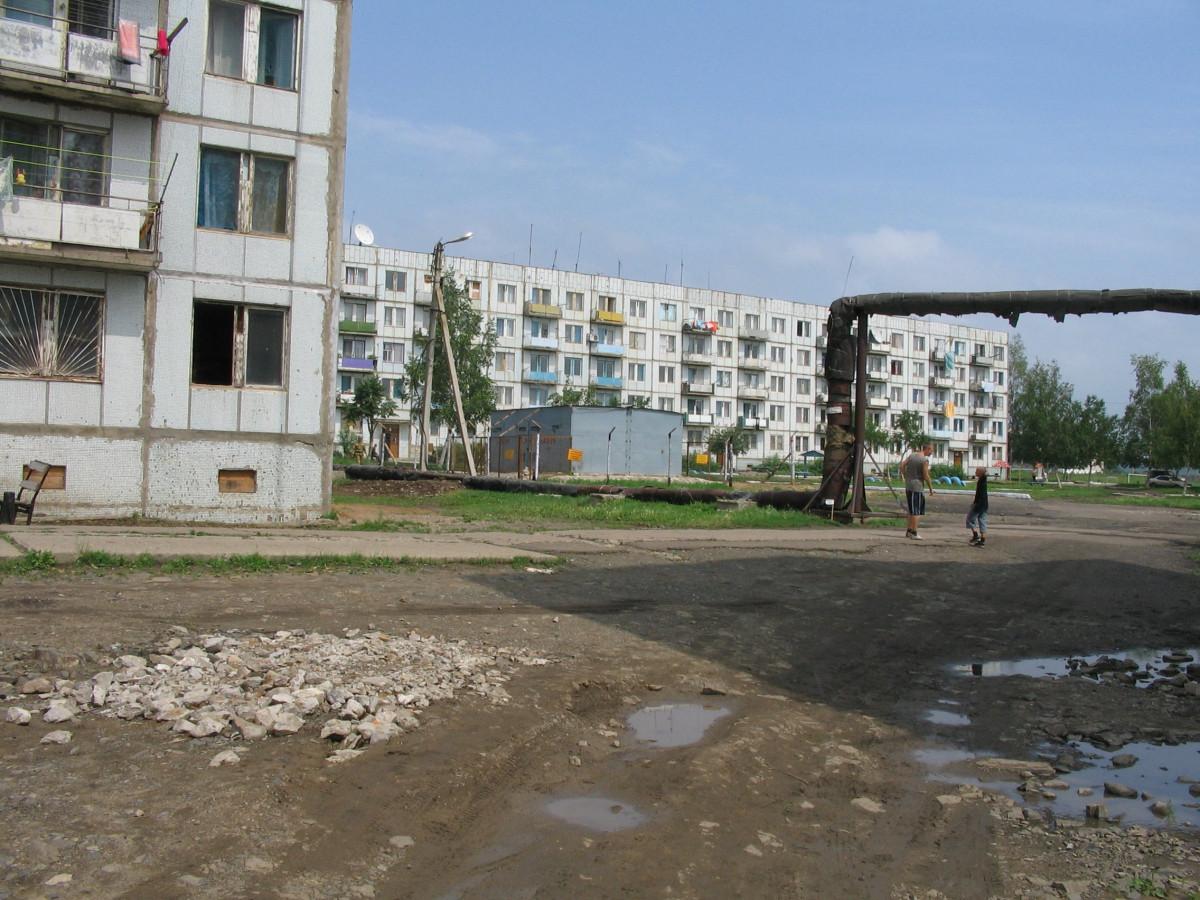 Прокуратура помогла сестрам-сиротам из села Ленинское получить жилье