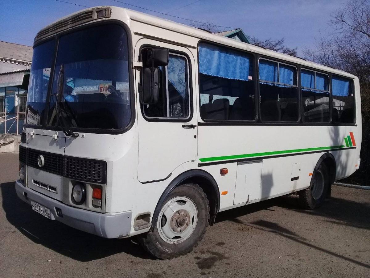 Женщина выпала из движущегося автобуса в областном центре