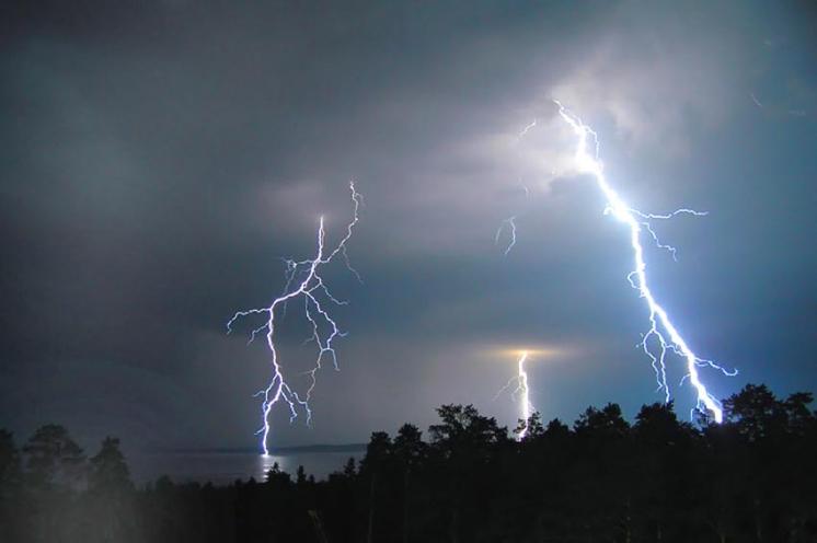 Сегодня в ЕАО ожидаются сильные дожди с грозами