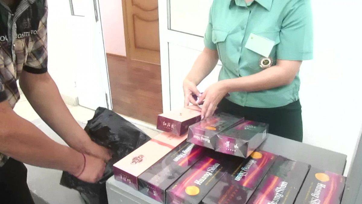 Биробиджанская таможня: контрабанда сигарет растет