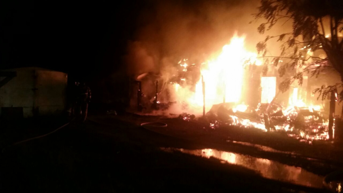 Четырёхквартирный жилой дом сгорел в Биробиджане