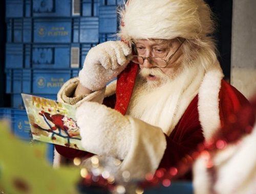 В Великом Устюге рассказали, о чем взрослые пишут Деду Морозу