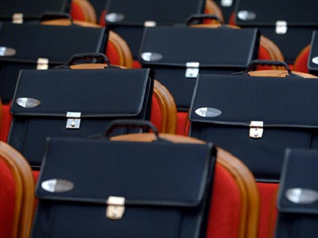В ЕАО прокуратура потребовала досрочно сложить полномочия двух депутатов