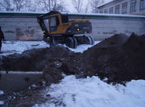 ЛЕДЯНЫЕ БАТАРЕИ: из-за аварии на теплотрассе замерзают жители с. Валдгейм