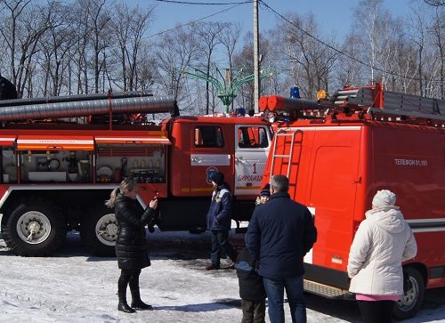 Пожарно-спасательный флешмоб состоялся в городском парке