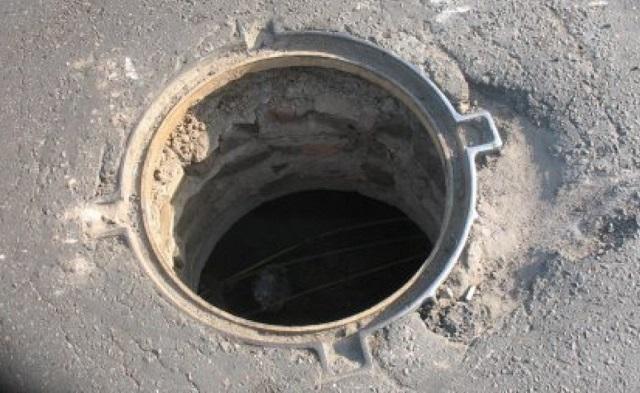 Открытые канализационные люки привлекли внимание прокуратуры