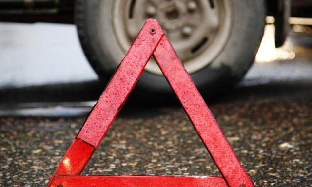 9-летний мальчик попал под колеса машины в Биробиджане