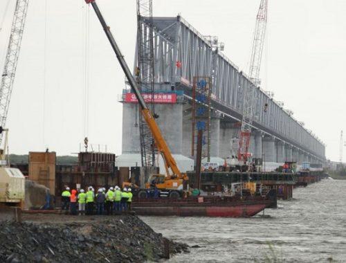 Прокуратура начала проверку по факту невыплаты заработной платы строителям трансграничного моста