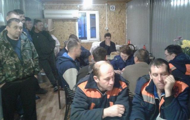 Заработную плату за февраль выплатили строителям Нижнеленинского железнодорожного моста