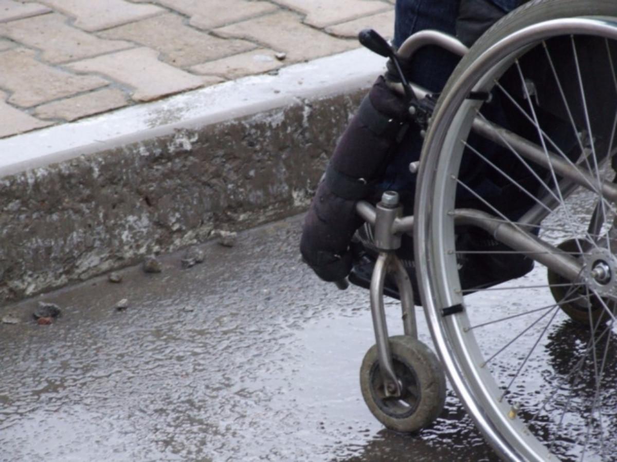 управление транспортным средством со знаком инвалид