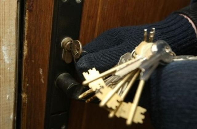 Подобрал ключи и похитил деньги: в краже из магазина подозревается бывший работник