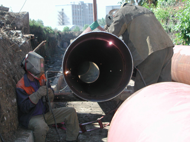 В Биробиджане начали демонтировать временные трубопроводы