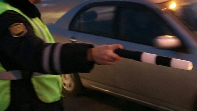 Биробиджанец накинулся на полицейского и ударил его бутылкой по голове