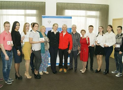 Трехкратная чемпионка Паралимпиады-2018 вручила золотые знаки ВФСК «ГТО» жителям ЕАО