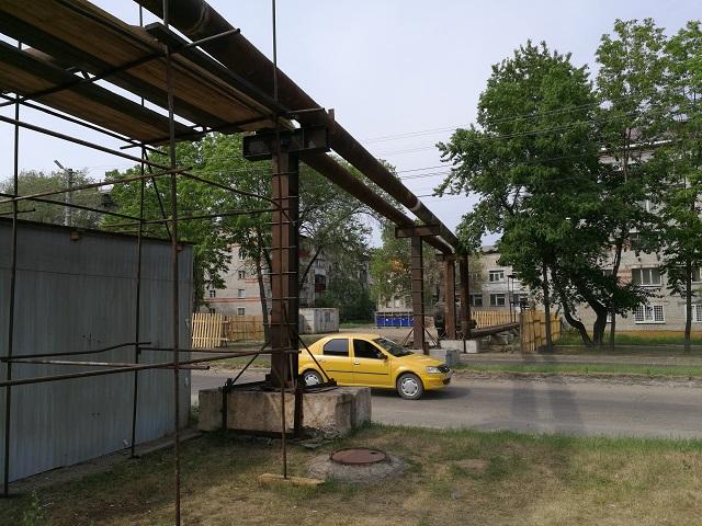 Специалисты ТЭЦ демонтируют временную теплотрассу