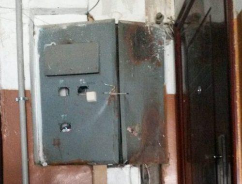 Опасный подъезд: жители дома в ЕАО боятся за свою жизнь
