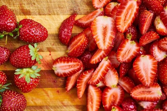 Спелая и сочная: как выбрать вкусную клубнику?