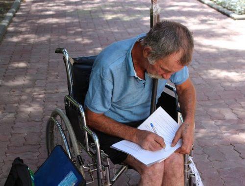 Экономический бум в действии: бездомный инвалид объявил голодовку, чтобы достучаться до власти