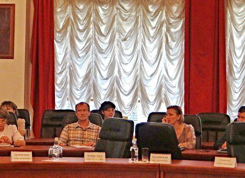 МОЛНИЯ: Оппозиция ЕАО покинула заседание Парламента области