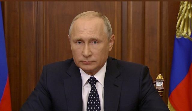 Владимир Путин предложил смягчить пенсионную реформу для женщин