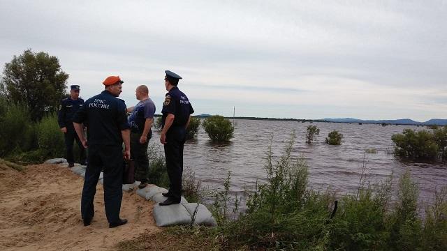 Уровень воды в р. Амур в Ленинском районе остается прежним