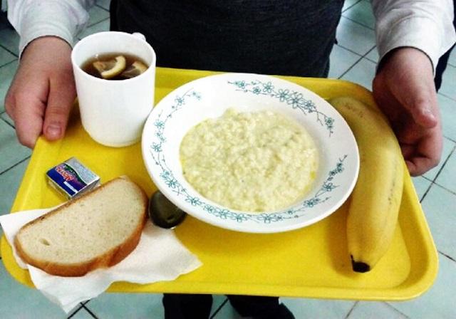 Школьникам запретят брать с собой еду из дома