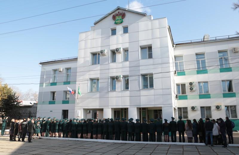 Память героев-таможенников увековечили в Биробиджане