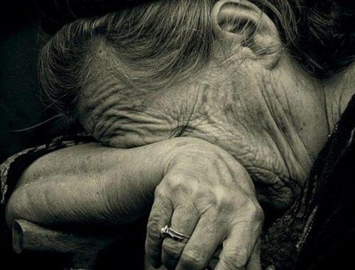 Пенсионерку из Биробиджана обманули в день рождения
