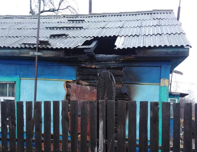 Частный дом подожгли в ЕАО