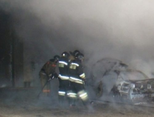 В Биробиджане неизвестные подожгли автомобиль