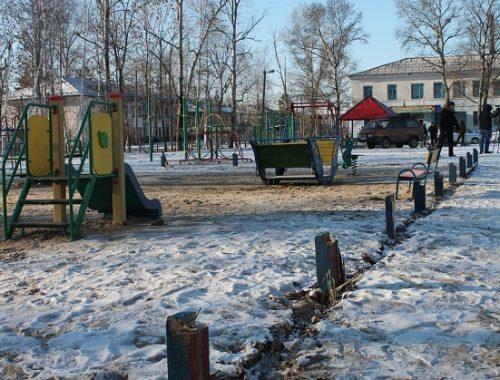 Из старья возвели детскую площадку стоимостью 2 млн рублей в ЕАО