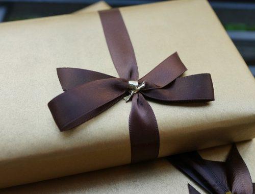 Врачам и учителям не будут запрещать принимать подарки