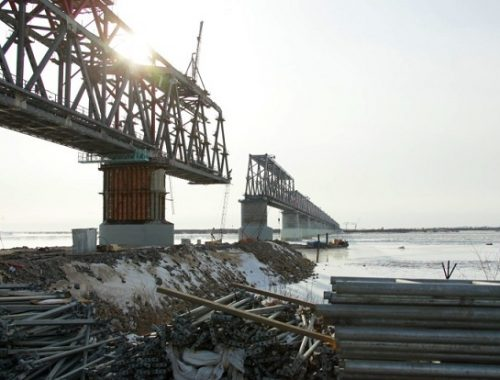 Строительство Нижнеленинского моста планируют завершить в июле