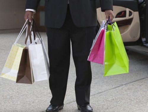 Коньяк и конфеты к празднику купил мошенникам биробиджанец