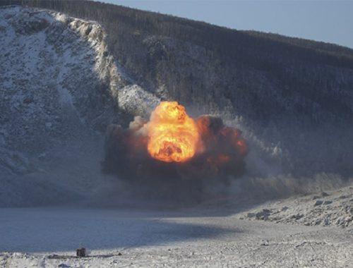 Военным удалось пробить затор на реке Бурея