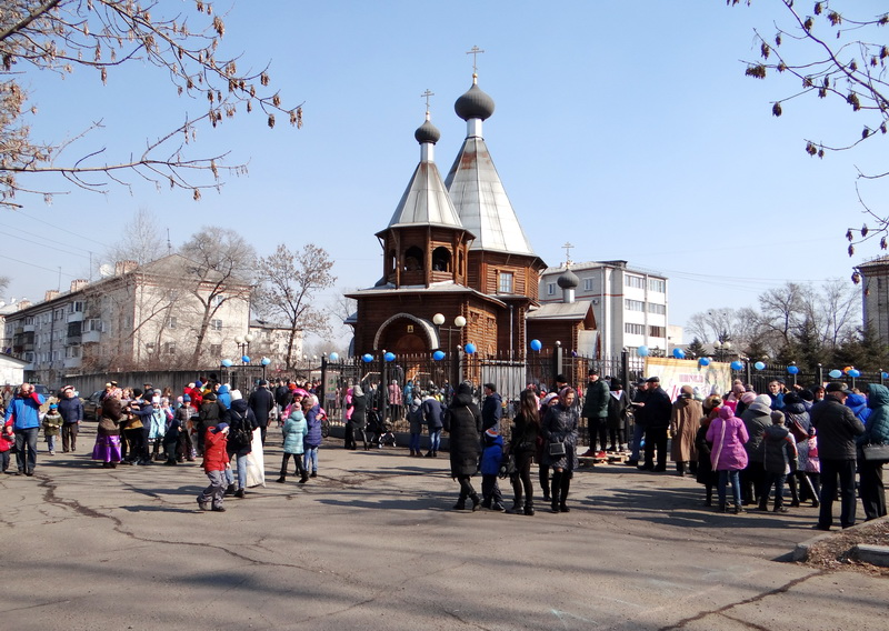 Игры, потехи, блины: «Широкую Масленицу» отметили на территории Казачьего храма Святителя Николая