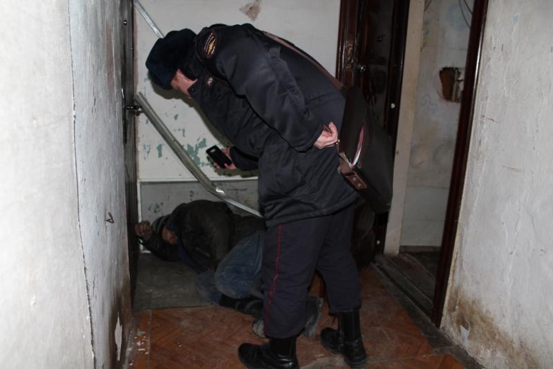 В канун Нового года биробиджанская полиция «навещает» алкоголиков и возможных дебоширов