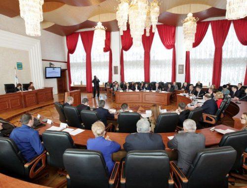 Депутаты-единороссы больше всех работали в прошлом году в Заксобрании. С помощью госаппарата