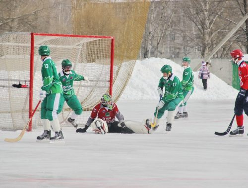 «Надежда» проиграла две игры соперникам из Красноярска